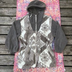 Vintage East West zip up hooded sherpa